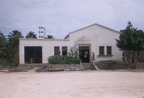 sanjosedelcaboabril20-1957-plantadeluz.jpg